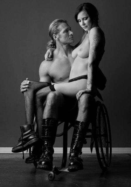 mulher-cadeirante-ft13