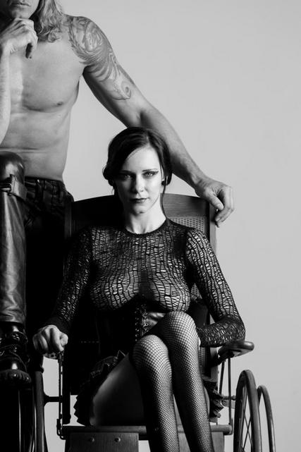mulher-cadeirante-ft9