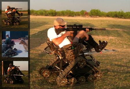 cadeira de rodas com arma