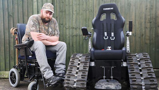 cadeira de rodas para fazer trilha